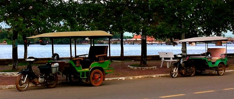 tuk tuk moto driver kampot cambodia