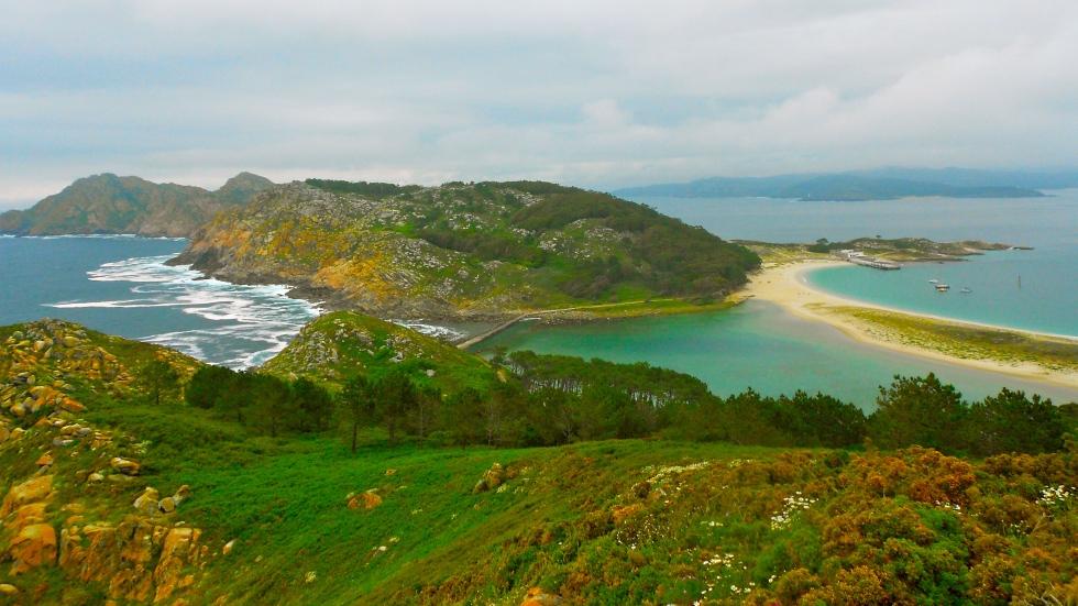islas cies galicia viewpoint hike